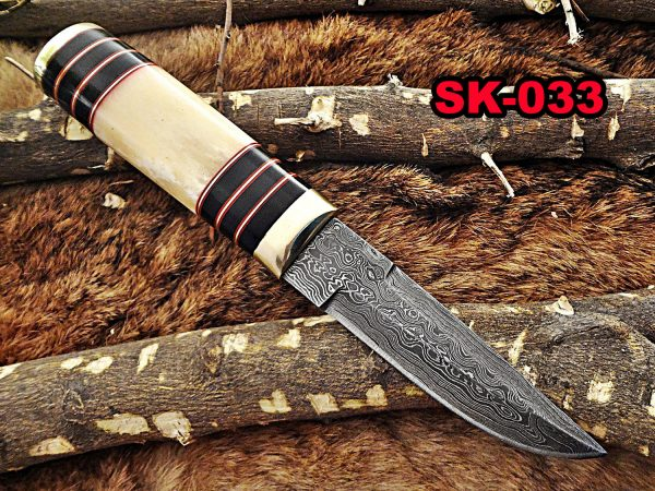 """10""""Long hand forged Twist pattern Damascus steel hunting Knife, Camel bone & bull horn scale with brass bolster, Cow hide leather sheath"""