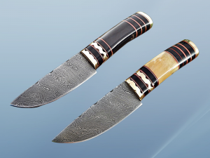 """9"""" Long hand forged Damascus steel Knife, Buffalo Horn round scale with engraved Brass and fiber spacing, cow hide Leather sheath"""