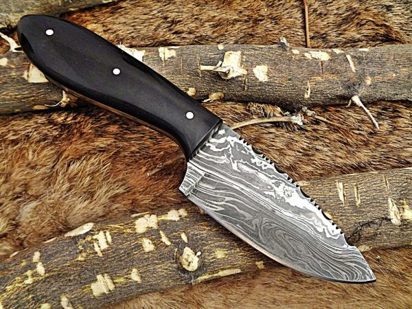 """7.5"""" compact skinning Knife with 4"""" full tang Damascus steel blade, Available in 2 colors scale, includes Cow hide Leather sheath"""