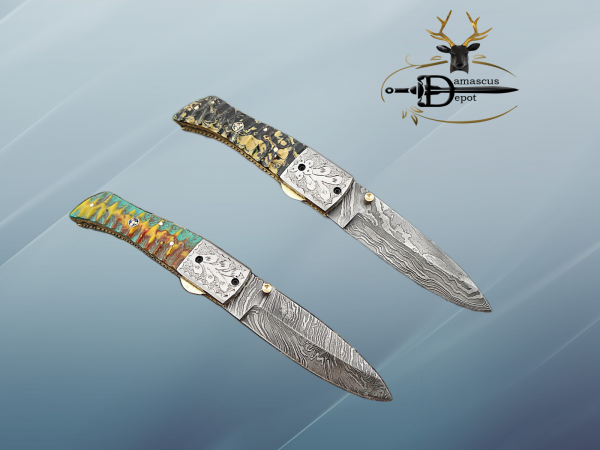 Damascus Steel Folding knife, Exotic Jigged scale in Camouflage & green combo, Engraved plant on steel bolster, Thumb knob & liner lock, Cow Leather sheath
