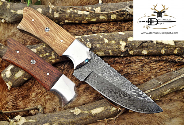 """9"""" Long hand forged Damascus steel Skinning knife, 4.5"""" full tang blade, 2 colors wood scale with bolster, Cow hide Leather sheath included"""