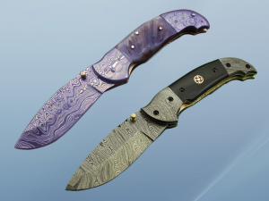 8 Inch Damascus steel folding knife, Available in Bone, Bull horn and Ram scales with Damascus bolster, Equipped with Thumb closing knob and liner lock, Cow hide Leather sheath with belt loop