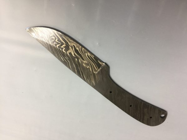 8 inches Long Hand Forged Damascus Steel Blank Blade Skinning Knife with 3 Pin Hole & an Inserting Hole Space 4 inches Cutting Edge