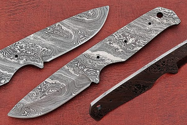 "7.5"" long Damascus steel straight back blank blade, 3.25"" cutting edge"