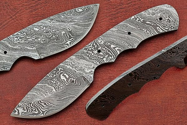 "6.75"" spear point Damascus steel blank blade pocket knife with 3.25"" cutting"