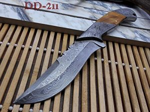 "10.5 Long hand forged Damascus steel skinning Knife,5.5"" full tang blade, Natural wood scale with Damascus bolster, Cow hide Leather sheath"