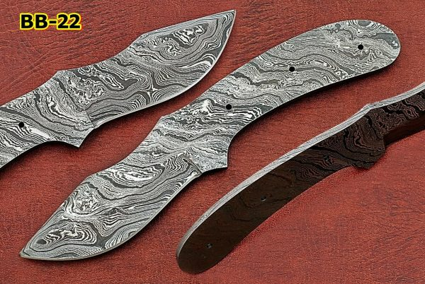 "Clip point blank blade 8"" hand forged Damascus steel knife, 3.5"" Cutting edge"