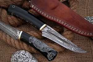 Eagle graphic scale trailing point blood groove blade skinning knife W/ sheath