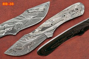"Clip point blank blade, 8.5"" hand forged Damascus steel knife with 4"" cutting"