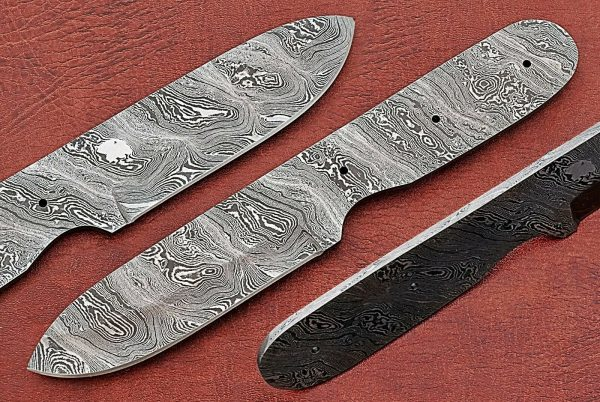 "8.25"" Spey point blank blade, hand forged Damascus steel knife with 4"" cutting"