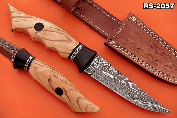 9 straight back blade skinning Knife, finger serrated wood scale, Leather sheath
