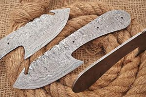"8 inches Long Hand Forged Spear Point Gut Hook Skinning Knife Blade, Knife Making Supplies, Damascus Steel Blank Blade Pocket Knife with 3 Pin Hole, 3.5 inches Cutting Edge, 4.25"" Scale Space"