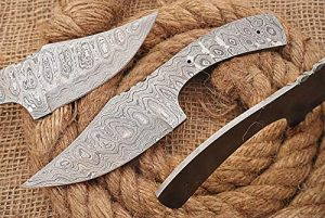 "8 inches Long Hand Forged Damascus Steel Clip Point Blank Blade Skinning Knife, 3.5"" Long Sharp Cutting Edge, 3.75"" Scale Space with 2 pins Hole"